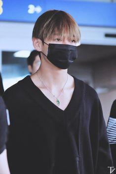 V even looks handsome wearing a mask! My hearteu. Jimin, Bts Bangtan Boy, Hoseok, Seokjin, Namjoon, Bts Mask, Taehyung Photoshoot, Hip Hop, V Bts Wallpaper