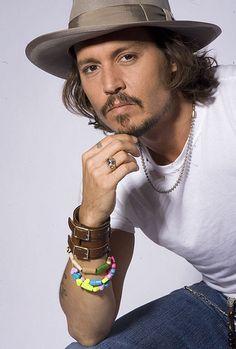 Johnny Depp Sexiest Man Alive Cover | Johnny Depp provoca molestia con nuevo personaje entre tribus ...
