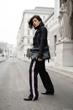 A MINIMALIST APPROACH TO MODERN ATHLEISURE