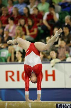 Gymnastics Flexibility, Women's Gymnastics, Artistic Gymnastics, Beautiful Females, Beautiful Celebrities, Diy Yard Games, Female Gymnast, Sporty Girls, Ice Skating