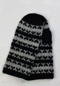 Härmän lapaset   Kodin Kuvalehti Fingerless Mittens, Knit Mittens, Knitted Gloves, Knitting Socks, Knit Socks, Wrist Warmers, Hand Warmers, Knitting Patterns, Crochet Patterns