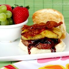 BBQ Sauce, Pineapple, Bacon - what can go wrong here? You'll love these Pineapple Bacon Burgers.