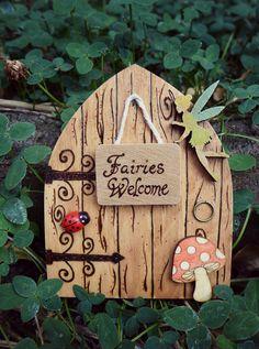 """Summer Sale! Magical Fairy door """"Fairies Welcome""""                                                                                                                                                                                 Más"""