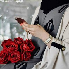 Uploaded by ɓʆɑck ɛyɛร. Find images and videos about girl, flower and phone on We Heart It - the app to get lost in what you love. Cute Girl Photo, Girl Photo Poses, Girl Photos, Abaya Dubai, Stylish Girls Photos, Stylish Girl Pic, Hijabi Girl, Girl Hijab, Girly Dp