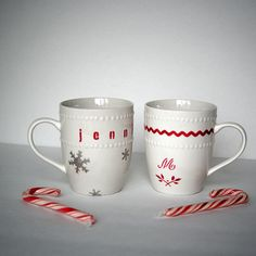 DIY Christmas Gift - Stenciled Dollar Store Mugs Dollar Store Christmas, Christmas Crafts For Gifts, Dollar Store Crafts, Christmas Projects, All Things Christmas, Dollar Stores, Christmas Diy, Christmas Decorations, Country Christmas