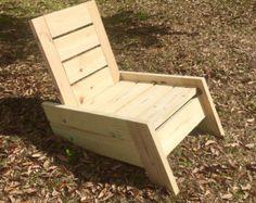 Outdoor Modern Adirondack Chair Rustic von DeckedOutFurniture