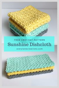 Quick and easy crochet pattern. This is a simple and fun summertime crochet project. and easy crochet projects Free Dishcloth Crochet Pattern Beginner Crochet Projects, Crochet For Beginners, Loom Knitting For Beginners, Crochet Gratis, Easy Crochet Patterns, Crochet Dishcloths Free Patterns, Single Crochet Stitch, Crochet Kitchen, Dishcloth Crochet