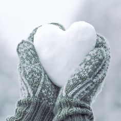 Winter Quotes, Winter Colors, Winter Green, All You Need Is Love, Winter Time, Happy Valentines Day, Feel Good, Heart Shapes, Marie