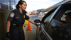 La periodista y conductora de noticieros, Denise Maerker, reportó en Twitter el caso de una persona en Tijuana al que se le retiró la visa en la frontera...
