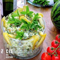 młode ziemniaki, salatka, salatka do grilla, przepisy na grilla, pomysly na grilla, co do grilla, przyjecie w ogrodzie, ogrod, stol w ogrodzie, wiosna, majowka, mieta, ogorki malosolne, zielony groszek, wiosenna salatka, salatka na impreze, blog, zycie od kuchni