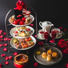 """ステラートでは、""""薔薇""""をテーマにしたアフタヌーンティーセットを提供しております。ほのかな薔薇の香りをお楽しみいただけるスイーツ達をお楽しみください! Chocolate Fondue, Table Settings, Dining, Desserts, Food, Tailgate Desserts, Deserts, Essen, Place Settings"""