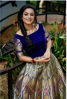 Indian Fashion Dresses, Indian Outfits, Awesome Dresses, Nice Dresses, Long Gown Dress, Star Magic, Malayalam Actress, Lehenga Designs, Indian Beauty