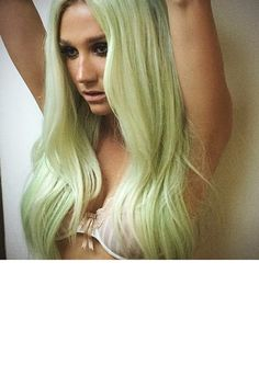 Lovely Kesha in Pastel Green Hair