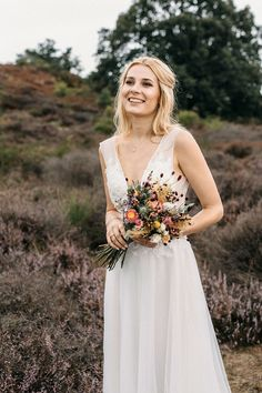 Discover recipes, home ideas, style inspiration and other ideas to try. Garden Wedding, Boho Wedding, Wedding Flowers, Flowers Wallpaper, Help Hair Grow, Team Bride, Bride Bouquets, Floral Bouquets, Bridesmaid Dresses