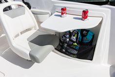 Bayliner Deckboats 210 #embarcaciones #fibra #lanchas #motoras #yates #fuerabordas #intrabordas #barcos #cruceros #Boats #Runabouts #centerconsoles #deckboats #overnighters #cruising jaloque.com/