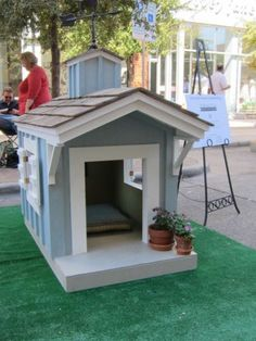 Painted Wooden Dog House Kennel Luxury