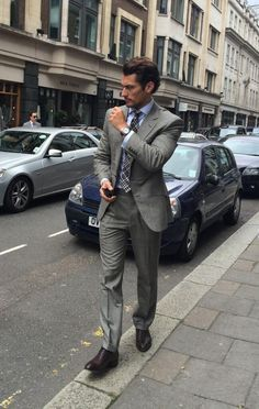 David Gandy en el primer día del LC:M. El traje es de @Welsh and Jefferies, la camisa de @M&S, los zapatos de John Loob, reloj de @OMEGA Watches y corbata de @TOM FORD INTERNATIONAL. 15/6/2014