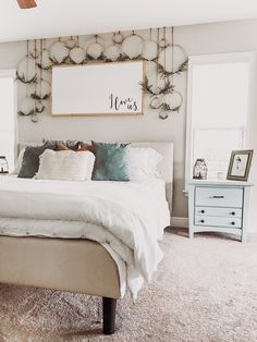 SWIPE for this amazing transformation by I'm so blown away by this that I've started shopping for wall paper. Such an easy way to dress up any room! Bedroom Wall Decor Above Bed, Bed Wall, Farmhouse Bedroom Decor, Rustic Farmhouse, Farmhouse Style, Amazing Decor, Looks Cool, Bedroom Inspo, Bedroom Ideas