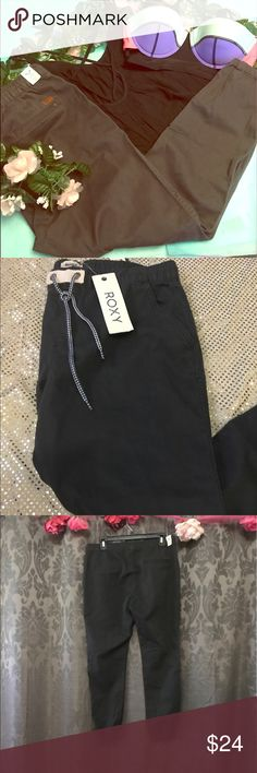 """NWT Roxy Kryo Relaxed Fit Tie Pants Brand new with tags never worn. The more you bundle the better deal I can give you. Just comment for any kind of help I am here for you! I strive for quality items at the best price. I consider offers, am a fast shopper, & top rated seller. This is for the bottoms only, the items paired may be available in my boutique. The inseam is about 27"""". Roxy Pants"""