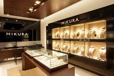 Turnkey fitout project for mikura pearls retail jewelry display, jewelry store design, jewelry shop Jewelry Store Displays, Jewellery Shop Design, Jewellery Showroom, Jewelry Display Stands, Jewellery Display, Jewelry Shop, Jewelry Rings, Steel Jewelry, Wooden Jewelry