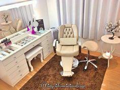 Home Beauty Salon, Beauty Salon Decor, Home Salon, Beauty Salon Interior, Beauty Studio, Beauty Room, Makeup Studio Decor, Nail Salon Design, Esthetician Room