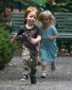Julia Roberts' twins, Phinnaeus and Hazel--cute! A ginger and a blonde...
