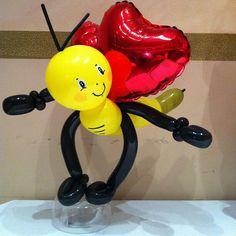 Valentine bee balloon