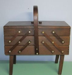 Vintage Wood Legged Accordion Sewing Basket/cabinet/sewing Storage