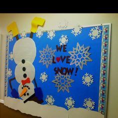 "Winter bulletin board - add a cutout ""snowball"" or ""snowflake"" for students to write what they love best about snow/winter!  :D"