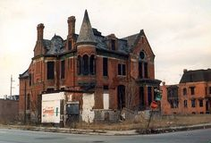 (Driving through Detroit after our summer vacation). Detroit can be. Detroit Ruins, Abandoned Detroit, Abandoned Mansions, Detroit Houses, Old Buildings, Abandoned Buildings, Abandoned Places, Second Empire, Haunted Places