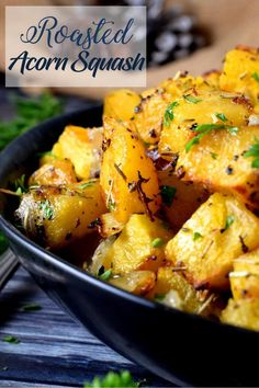 When preparing vegetables as a side dish, simple and uncomplicated is best. Roasted Acorn Squash uses a few seasonings to elevate the flavour of squash! Side Recipes, Vegetable Recipes, Whole Food Recipes, Vegetarian Recipes, Healthy Recipes, Healthy Eats, Acorn Squash Baked, Recipe For Roasted Acorn Squash, Stuffed Acorn Squash