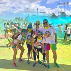 THINK BLUE: One could argue that running around a parking lot inhaling noxious colored powders doesn't seem like the least bit of fun and I would completely agree--except for the fact that my ribs hurt from laughing so damn hard yesterday. #TheColorRun achievement unlocked! Great work team! @TheColorRun #ColorRun #Happiest5k #Happiest5konthePlanet #Tropicolor  #ColorRun2016 #DodgerStadium #Dodgers  #running #5k  #flasksmakeeverythingbetter #participationmedals  #LA #LosAngeles by koryklem