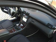 """www.fvauto.it Vettura in PERFETTE CONDIZIONI, interni tessuto, 2 PROPRIETARI NON FUMATORI, pneumatici invernali 90%, tagliando effettuato, doppi cerchi in lega da 17"""" e doppio treno pneumatici, climatizzatore automatico bizona, navigatore Europa, volante multifunzione, sedile posteriore sdoppiato, ESP, 6 marce, specchietti elettrici e sbrinabili. Si valutano permute, garanzia fino a 60 mesi con km illimitati e assistenza stradale, finanziabile per l'intero importo. www.fvauto.it"""