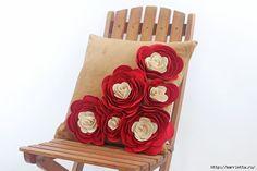 Hermosas Almohadas con Flores Hechas de fieltro. Ideas clase magistral y (29) (700x466, 146Kb)