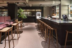 Erik Videgård, a legendary chef within the Scandinavian kitchen opened 2018 Videgård restaurant, a joint project with the concern Stureplansgruppen. Here, a great dining experience is complemented with warm, tactile Bolon Artisan Ecru flooring in an expression of pale pink and beige. A perfect choice for a large restaurant environment where flooring needs to withstand high foot traffic. Riverside Apartment, London Museums, Scandinavian Kitchen, Restaurant Bar, Dining, Pale Pink, Projects, Artisan, Restaurant