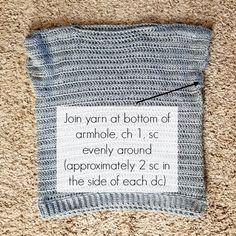Simple Crochet Sweater Pattern - Hooked on Homemade Happiness Crochet Jumper Pattern, Chunky Knitting Patterns, Crochet Shirt, Crochet Bodycon Dresses, Black Crochet Dress, Crochet Prayer Shawls, Simple Crochet, Crochet Clothes, Crochet Stitches