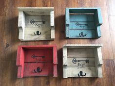 #DiyPalletIdeas, #HomeDécor, #PalletKeyHolder, #RecyclingWoodPallets, #Rustic I made these rustic pallet key holders out of various thickness and widths of boards, mixing and matching to suit my taste. These would be great to make using leftover wood from other projects as well.  Rustic Key Holders Finish: I left the wood