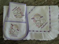 img.elo7.com.br product zoom 8001BA kit-fraldas-fralda-com-bordado-ingles.jpg