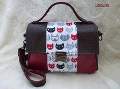 Sac à main cartable en cuir bordeaux et chocolat et tissus motif chats : Sacs à main par little-scarlett