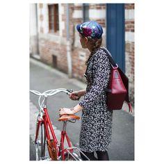 bc4a0eb187563 Samedi après-midi   motivées pour aller faire votre shopping en ville à  vélo   ⠀ ⠀ Moi, oui ! ⠀ ⠀ Hélène à vélo par  dominosk