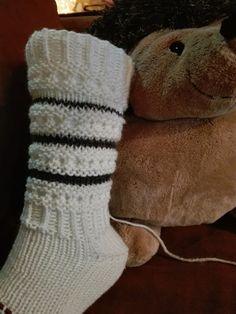 Buddha Art, Knitting Socks, Mittens, Knitting Patterns, Sun, Painting, Fashion, Buddha Artwork, Knit Socks