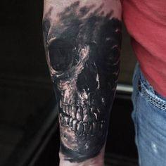 Tattoo Skull in schwarz - Tattoos & Kunst - Tattoo Forearm Cover Up Tattoos, Cover Up Tattoos For Men, Tattoo Cover Up, Arm Tattoos For Guys, Great Tattoos, Future Tattoos, Tattoos For Women, Wrist Tattoo, Kunst Tattoos