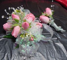 Corsages/Boutonnieres - WRC22 | Fowler's Florist & Gifts