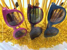 Sonnenbrillen von WOOW (Model super truper ) sind eine schöne, modisch, witzige Alternative zum Mainstream. Bei der Augenweide Optik könnt Ihr sie aufsetzen! Super, Sunglasses, Frame, Nice Asses, Picture Frame, Sunnies, Shades, Frames, Eyeglasses