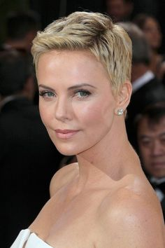 Zoom on This: Charlize Theron's New Hair/Everything - The Cut