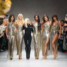 Carla, Claudia, Donatella, Naomi, Cindy and Helena - the original #glamazon squad walk the #Versace #runway at #Milan #Fashion Week #Buro247Singapore #SS18 #supermodels
