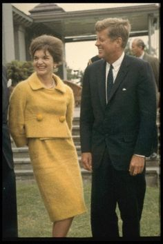 Bad color on Jackie! Worst pic I've ever seen of her. Jackie Kennedy