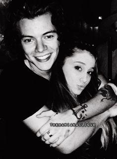 harry styles proppsing to ariana grande   ... fazer a gente desejar que Ariana Grande e Harry Styles fiquem juntos