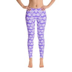 Stylish, durable, and a hot fashion staple. These polyester/spandex leggings are made of a comfortable microfiber yarn in USA, and they'll never lose their stretch. Low Waist Jeans, Loose Fit Jeans, Cut Jeans, Different Dresses, Women's Leggings, Pattern Leggings, Workout Leggings, Tights, Comfortable Outfits