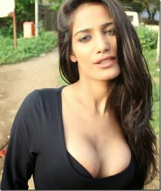 Poonam Pandey – Hot poonam pandey spicy photos and sexy wallpapers gallery section. Watch hot videos of poonam pandey. Punjabi Girls, Indian Models, Indian Beauty, Bollywood Actress, Indian Actresses, Boobs, Glamour, Photoshoot, Celebrities